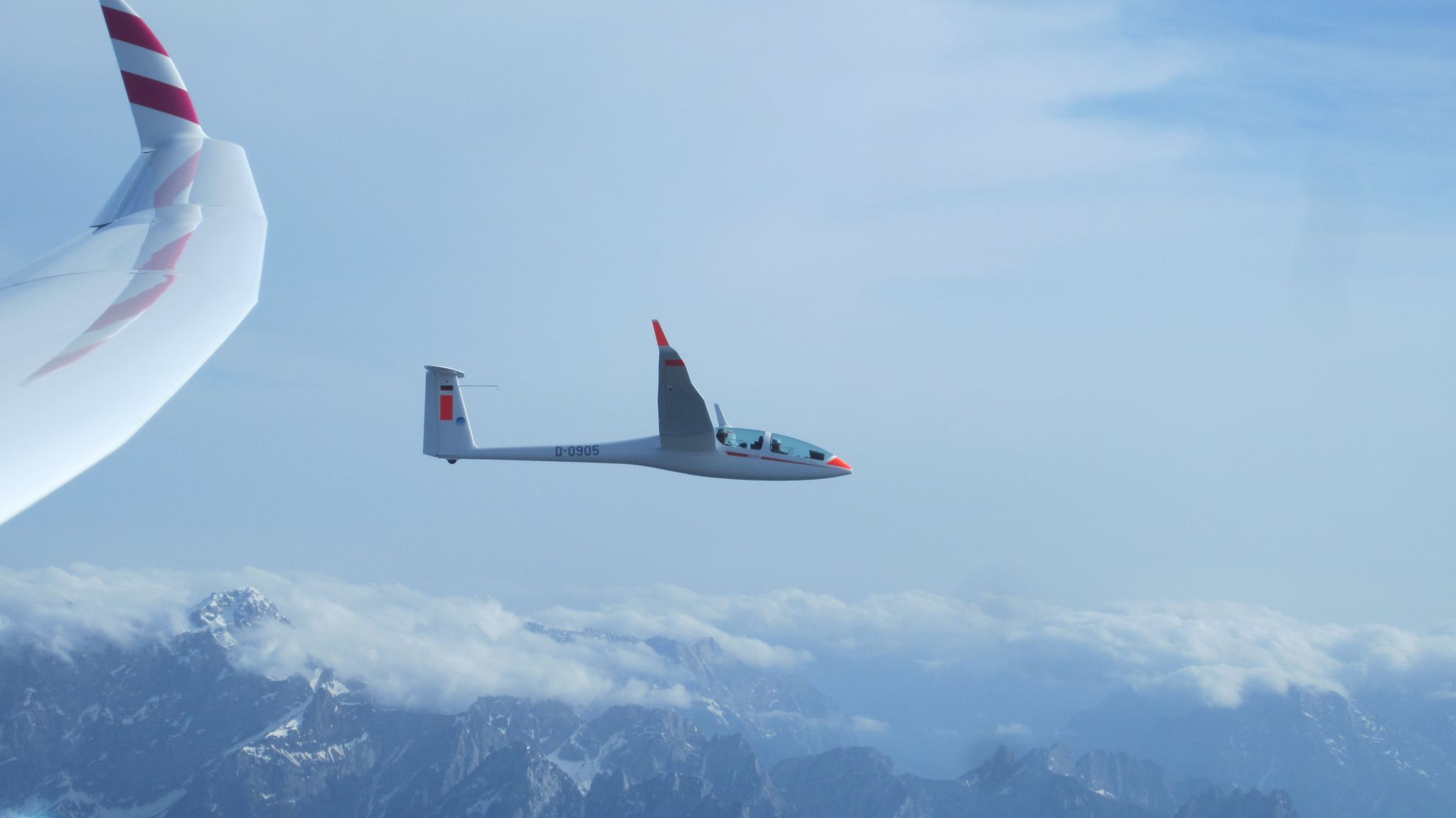 DG 1001 über den Alpen